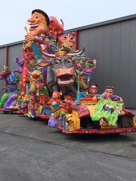 Schitterende polyester carnavalswagen te koop!!