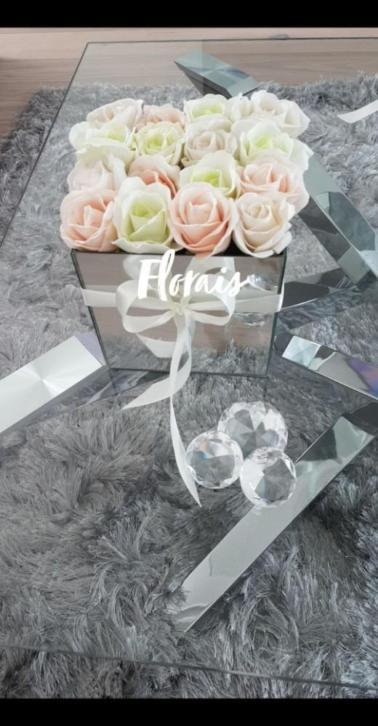 Flowerbox/glas/mirror/bloemen/rozen