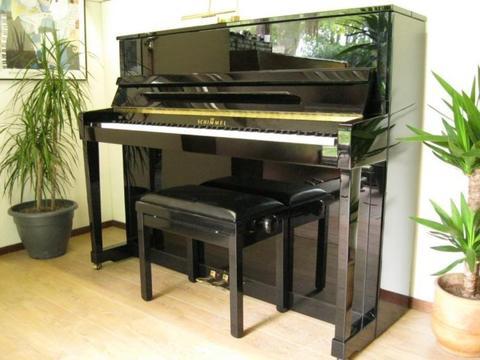 ....Yamaha en Schimmel Piano's