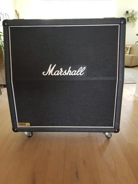 Marshall 1960 A 4 x 12 cabinet angled