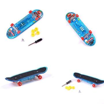 LED Mini Skateboard Toys Finger Board Boy Kids Table Game