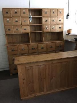 Antiek Grenen Winkelkast.Toonbank Te Koop Brick7 Verkoop