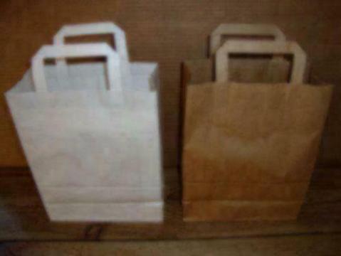 Papieren tassen voor uw winkel? Vijf maten leverbaar